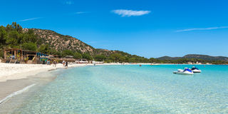 Пляж Palombaggia в острове Корсики, Франции стоковое изображение rf