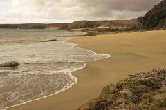 Пляж Papagayo на Лансароте, архипелаге Канарских островов Стоковая Фотография