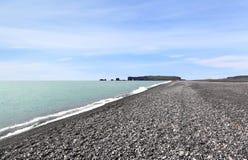 Пляж Reynisfjara, Исландия стоковая фотография rf