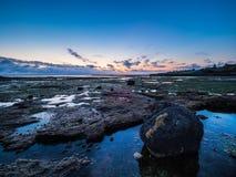 Пляж Rockpool пункта Ricketts в вечере Стоковая Фотография RF