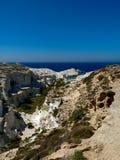 Пляж Sarakiniko на острове Milos (Греция) Стоковая Фотография