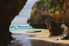 Пляж Suluban, Бали, Индонезия Стоковое Фото