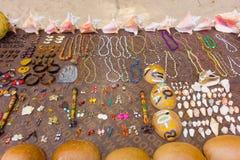 Пляж vendor' дисплей s в тропиках стоковое фото rf