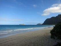Пляж Waimanalo в течение дня Стоковые Изображения RF