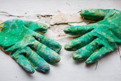 Работая перчатки на белизне Стоковая Фотография RF