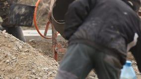 Работая смеситель цемента сток-видео
