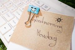 работа бумажного зажима счастливая Стоковая Фотография RF
