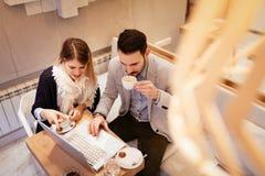 Работа в кафе Стоковые Изображения RF