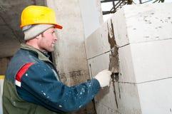 работа каменщика строителя bricklaying стоковое фото rf