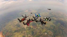 Работа команды Skydiving сток-видео