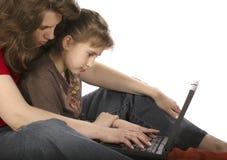работа мати дочи компьютера Стоковая Фотография RF