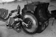 Работа на моторе автомобиля Стоковая Фотография