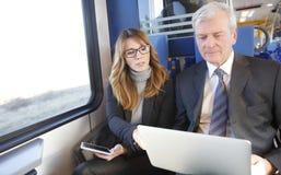 Работа онлайн на поезде Стоковая Фотография