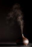 Работа прибора отражетеля эфирного масла ароматерапии Стоковое Фото
