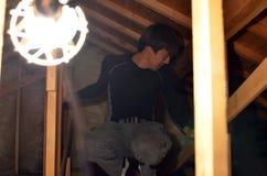 Работа проводки ` s инженер-электрика в Японии Стоковое фото RF