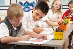 работа ребенокев школьного возраста класса основная Стоковая Фотография