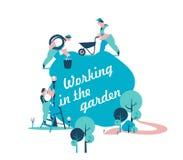 Работа садовников в саде Стоковая Фотография