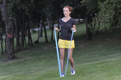 Работа тренера с круглой резинкой pilates Стоковое Фото