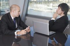 работа 2 интервью бизнесменов Стоковое Фото
