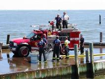 работа firefigters Стоковое фото RF