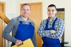 2 работника на пороге Стоковая Фотография RF