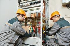 2 работника электрика Стоковое Изображение RF