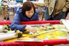 Работники вышивают с шелком Стоковая Фотография RF