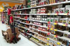 Работники в супермаркете Стоковое Изображение