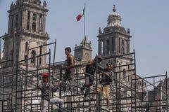 Работники в Zocalo стоковое фото rf