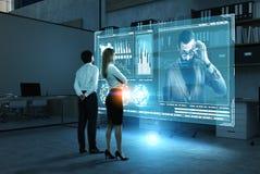 Работники компании смотря босса, диаграмм Стоковое Изображение