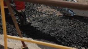 Работники на асфальте ремонта дороги акции видеоматериалы