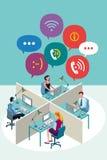 Работники офиса с пузырями речи Стоковые Изображения RF
