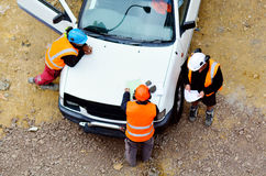 Работники следовать инструкциями от менеджера конструкции Стоковые Фотографии RF