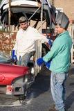 работники утиля металла стоковые изображения rf