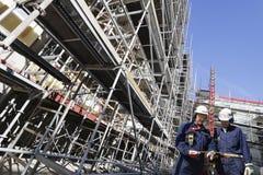 работники scaffoldings конструкции Стоковые Изображения RF