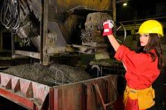 работник белизны строительной промышленности стоковые фотографии rf