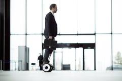 Работник в деловом центре Стоковая Фотография RF