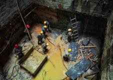 Работник в строительной площадке 13 вала Стоковое Изображение