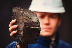 Работник в угольной шахте стоковые изображения rf
