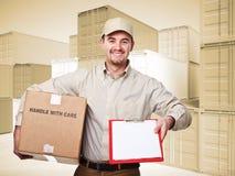 работник доставляющий покупки на дом