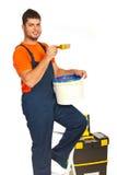 Работник колеривщика на stepladder Стоковые Изображения RF