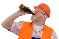 работник конструкции пива выпивая Стоковое Фото