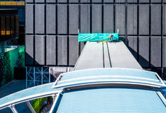 Работник на крыше стоковые изображения