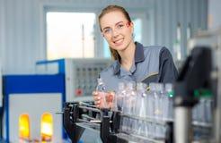 Работник на фабрике воды Стоковое Изображение RF