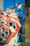 Работник сборщика на мастерской инструмента Стоковое Изображение RF