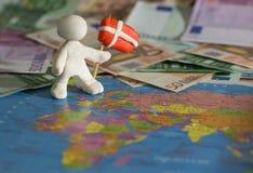 Работник с флагом - Данией Стоковое Изображение