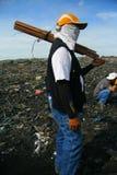 Работник Dumpsite стоковое фото rf