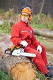 работник lumberjack пущи chainsaw Стоковая Фотография
