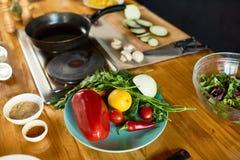 Рабочая зона современной кухни стоковые фото