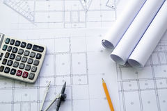 Рабочее место архитектора - архитектурноакустического проекта, светокопий, голубых стоковые фото